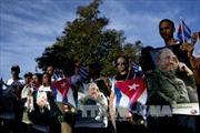Nhân dân Cuba viếng lãnh tụ Fidel Castro sau lễ an táng