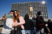 Bất ngờ với tượng vàng mô phỏng Thủ tướng Netanyahu