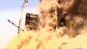 Tòa nhà biểu tượng của Iran đổ sập trong đám cháy ngùn ngụt