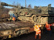 Anh tập đưa xe tăng qua hầm eo biển Manche phòng Đông Âu có biến