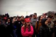 Người ủng hộ ông Trump đội mũ 'made in China' trong lễ nhậm chức