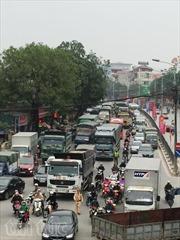 24 Tết, người dân ùn ùn về quê, nhiều tuyến đường bị ùn tắc