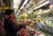 Tết đến bỏ bộn tiền sắm trái cây nhập ngoại, cẩn thận mua nhầm hàng 'đội lốt'
