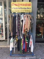 Tủ quần áo từ thiện mang ấm áp đến cho người nghèo