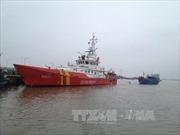 Cứu 5 thuyền viên gặp nạn giữa lúc biển động mạnh