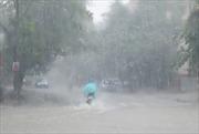 Không khí lạnh gây mưa miền Trung, sóng lớn trên biển