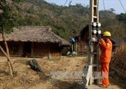 Người Mông bản Tèn đón điện lưới quốc gia đúng dịp Xuân về