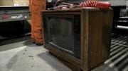 Để quên hơn 100.000 USD giấu trong TV cũ