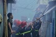 'Bà hỏa' thiêu rụi nhà trong hẻm, khu dân cư hoảng loạn