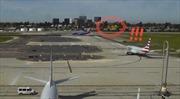 Phi cơ của Harrison Ford hạ cánh sượt đầu Boeing, suýt gây thảm họa