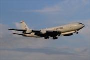 Máy bay quân sự Mỹ hạ cánh khẩn cấp trên đường tới Nhật Bản