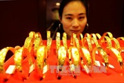 Giá vàng châu Á gần chạm đỉnh một tháng
