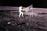 Sự thật về người ngoài hành tinh qua lời kể của phi hành gia trên Mặt Trăng