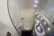 Bạn có biết 'giờ vàng' để đi vệ sinh trên máy bay
