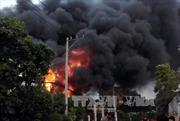 Bình Phước: Cháy nhà dân sát đường gây ách tắc giao thông