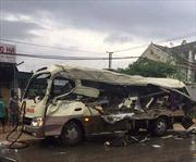Thăm hỏi, hỗ trợ gia đình các nạn nhân trong 2 vụ tai nạn trên QL 48