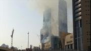 Cháy tòa nhà 60 tầng ở Dubai, giao thông ách tắc