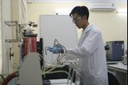 Nhà khoa học trẻ say mê nghiên cứu về vật liệu mới