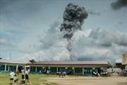 Núi lửa phun trào, khói bụi bốc cao 3.000m ở Indonesia