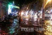 Thành phố Hồ Chí Minh: Mưa chuyển mùa giải nhiệt oi bức