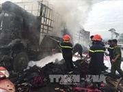 Cận cảnh xe chở vải cháy trơ khung trên đường Hồ Chí Minh