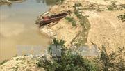 Quảng Ngãi: Chính quyền xã tự ý cho tư nhân khai thác cát, sỏi