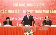 Thủ tướng Nguyễn Xuân Phúc gặp gỡ các doanh nghiệp Việt Nam tại Lào