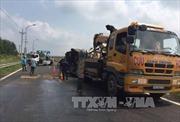Quảng Ninh: Xe khách 24 chỗ va chạm với xe container ngược chiều