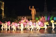 Lần đầu tiên tổ chức chương trình nghệ thuật đường phố trên phố đi bộ Nguyễn Huệ