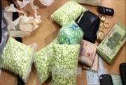 Nghệ An: Bắt hai đối tượng người nước ngoài vận chuyển ma túy trái phép