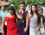 Kỳ lạ đi chợ mua vợ 'gái tân' ở Bulgaria
