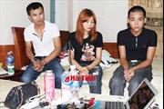 Hà Tĩnh: Đột kích nhà nghỉ bắt gọn cô gái 17 tuổi 'đập đá' với 2 nam thanh niên 9X