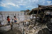 Đồng bằng sông Cửu Long đang đối mặt sạt lở nghiêm trọng - Bài 1