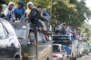 Phiến quân Hồi giáo tràn vào, hàng nghìn dân Philippines tháo chạy khỏi Marawi