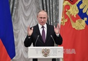 Tổng thống Nga Vladimir Putin bắt đầu chuyến thăm chính thức Pháp