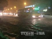 Hà Nội lại chìm trong biển nước sau cơn mưa giờ tan tầm
