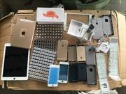 Phát hiện lô túi Chanel, Hermes, điện thoại đắt tiền nhập lậu vào Việt Nam