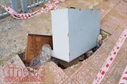 Người dân mong mỏi sớm khắc phục 'hố tử thần' ven kênh Nhiêu Lộc – Thị Nghè