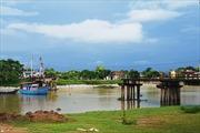Tàu chở cát đâm sập cầu sông Hoàng, Thanh Hóa