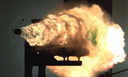 Hải quân Mỹ 'thai nghén' súng điện từ siêu nhanh, siêu mạnh trong hè 2017