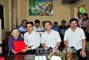 Phó Thủ tướng Vũ Đức Đam thăm, tặng quà người có công với cách mạng tỉnh Hưng Yên