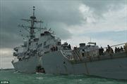 Giả thiết gây sốc về nguyên nhân hai khu trục hạm Mỹ liên tiếp bị tàu hàng đâm