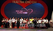 30 biên tập viên truyền hình trình diễn thời trang ủng hộ Chương trình 'Trái tim cho em'