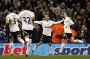 Tottenham - kẻ phá bĩnh thành Manchester