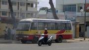 Xe buýt đang chạy bỗng dưng bốc cháy