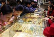 Giá vàng giảm gần 500.000 đồng/lượng