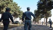 Taliban giả gái đánh bom, 12 người chết