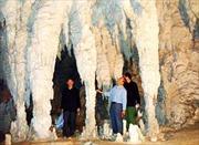 Nhũ đá tại cao nguyên đá Đồng Văn bị tàn phá