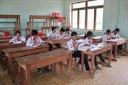 """Vận động trẻ đi học tại vùng """"bệnh lạ"""""""