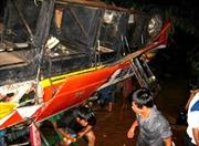 Nghi vấn nguyên nhân xe khách rơi xuống sông Srêpôk